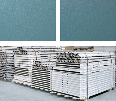 Culoare canat NCS 4020-B50G; Culoare toc NCS 5020-B50G; canat invelit in polietilena expandabila;